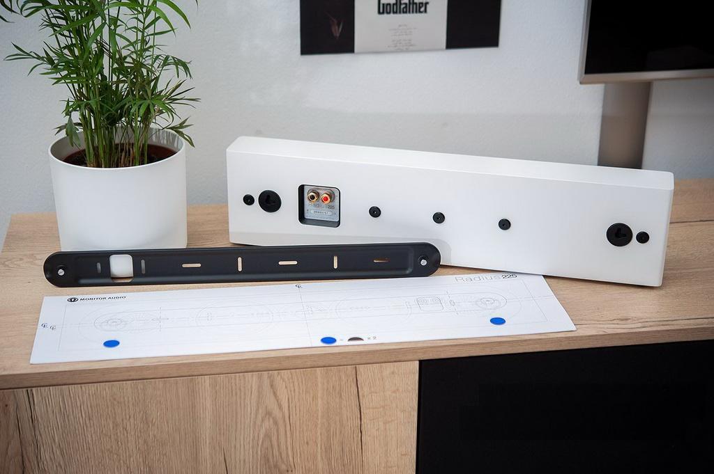 Monitor-Audio-Radius-225-3.jpg