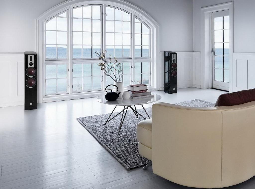 EPICON-6-black-interior-couch-1.jpg