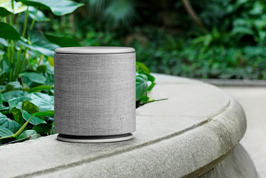 Bang & Olufsen BeoPlay M5 lifestyle 1.jpg