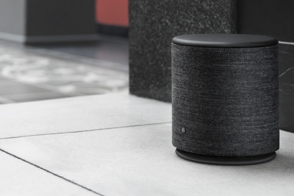 Bang & Olufsen BeoPlay M5 lifestyle 22.jpg