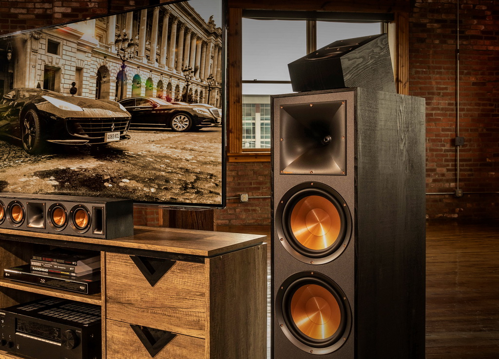 Klipsch_Reference_Speakers_Lifestyle_30 (1).jpg