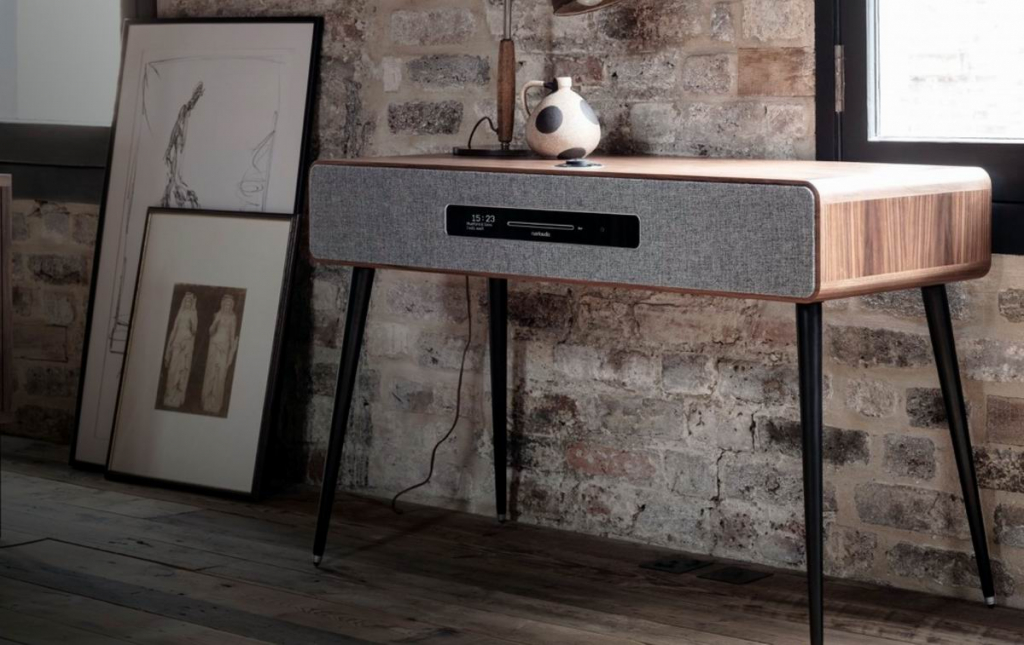 Ruark-Audio-R7-Mk3-walnut 5.jpg