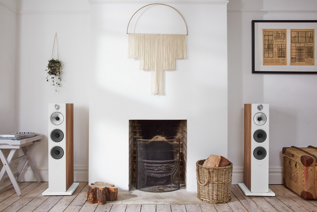 Bowers-Wilkins-603-S2-Anniversary-Edition-Oak-Stereo-Fireplace-Front.jpg