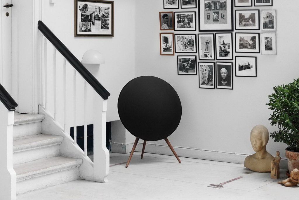 Bang & Olufsen BeoPlay A9 lifestyle 2.jpg
