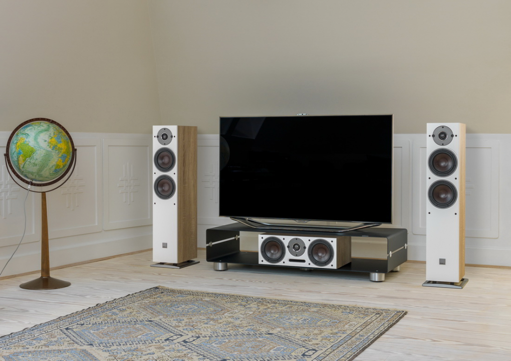 OBERON-5-Light-Oak-TV.jpg