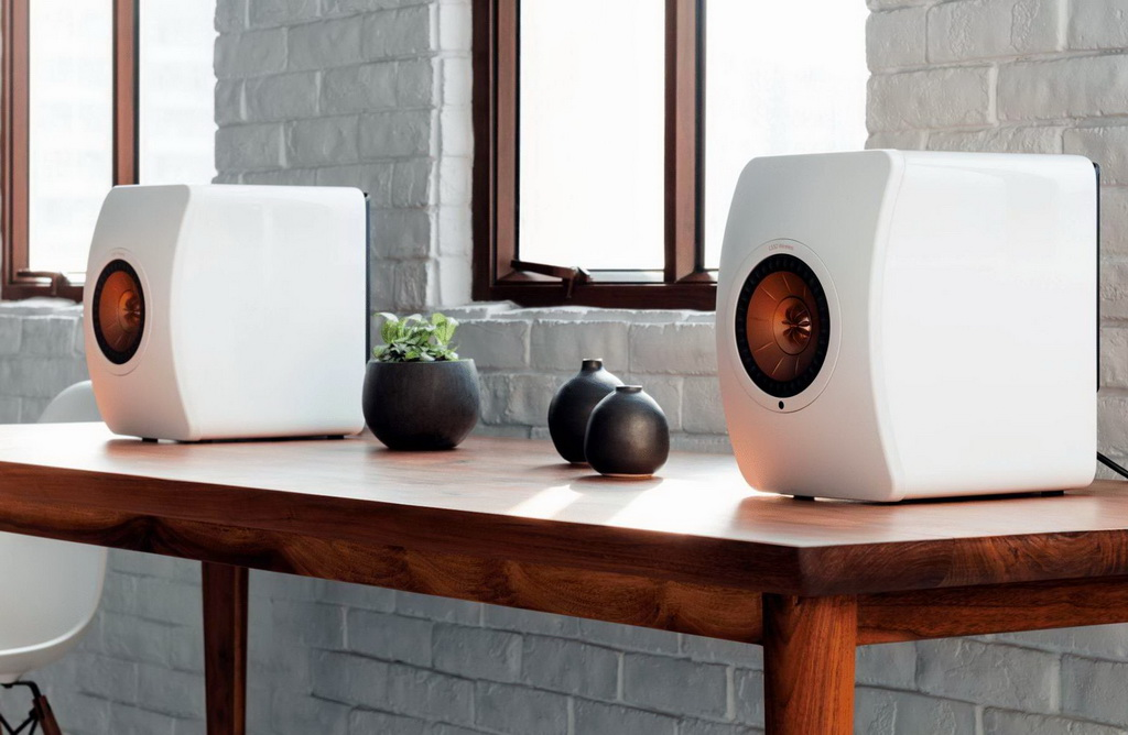 KEF LS50 WIRELESS LIFESTYLE 2.jpg