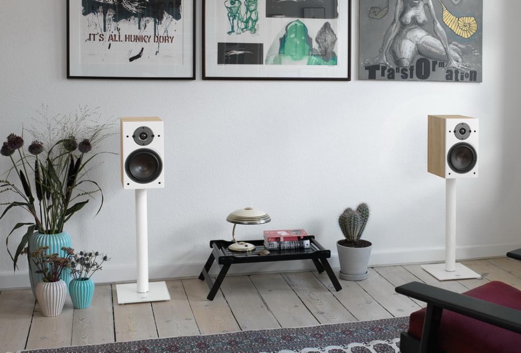OBERON-3-Light-Oak-stereo.jpg
