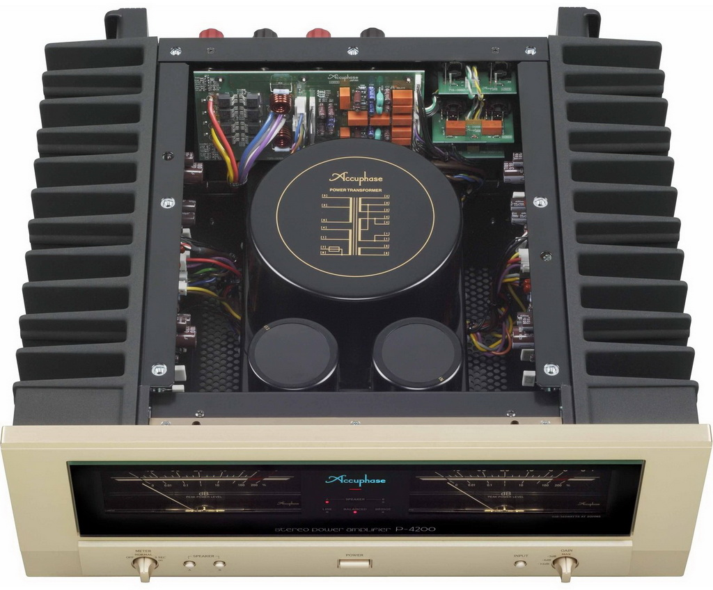accuphase p-4500 3qq.jpg