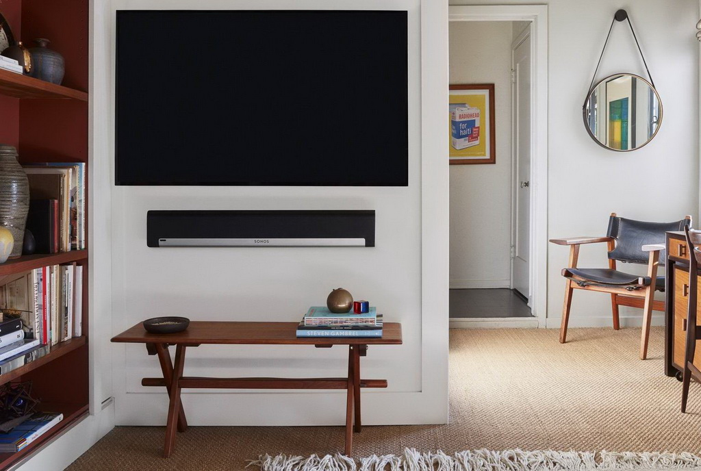 Sonos Playbar lifestyle 1.jpg