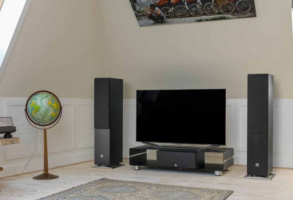 OBERON-7-TV-Black-grille.jpg