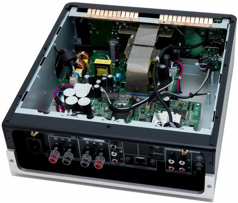Denon-DRA-100-inside_big.jpg